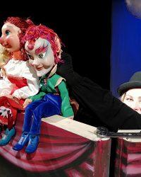 """Teatrul """"Puck"""" continuă difuzarea de spectacole online"""
