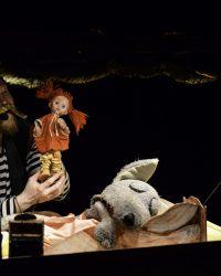 """Spectacolul """"Scufița Roșie și lupul cel flămând"""", din nou pe scena Teatrului """"Puck"""""""